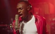 Usain Bolt gây bất ngờ với khả năng ca hát