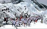 """Chạy marathon """"xông đất"""" Himalaya năm 2012"""