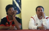 Vì Ronaldinho, Flamengo sa thải HLV