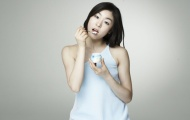 """Kim Yu-Na: """"Nữ hoàng"""" trượt băng Hàn Quốc đẹp như tiên nữ bên bờ suối"""