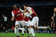 Video Champions League: Đánh bại AC Milan, Arsenal rời Champions League trong danh dự