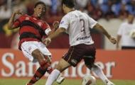 Ronaldinho tỏa sáng, Flamengo đại thắng vẫn bị loại
