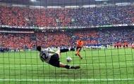Đội hình tiêu biểu EURO 2000: Hiện tượng Toldo