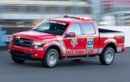 Ford F-150 FX4 phục vụ giải đua NASCAR
