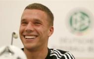 Podolski và ngưỡng cửa 100: Đá dưới giá treo cổ