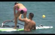 Video: Huấn luyến viên lợi dụng dụng chạm vòng 3 nữ vận động viên