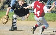 Chùm ảnh: Cậu bé một chân Adam Bender chơi thể thao