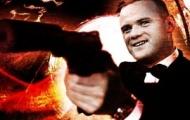 Video: Rooney đóng... 007