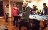 """Video: Anna Trương nhảy Harlem Shake """"tưng bừng"""""""
