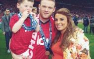 'Cục cưng' của Rooney dễ thương ăn mừng với bố