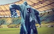 Video: Bóng ma 'nhí nhố' của Uruguay đi hù dọa fan Brazil