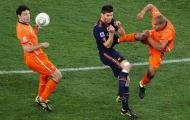 Khoảnh khắc World Cup: Kung-fu De Jong (2010)
