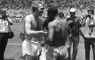Khoảnh khắc World Cup: Cú xoạc bóng huyền thoại của Bobby Moore (1970)