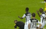 Video: Thán phục trò ngăn trọng tài rút thẻ đỏ của cầu thủ Guingamp