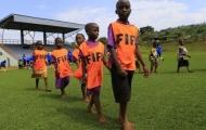 Giấc mơ thành sao lắm gập ghềnh của cầu thủ châu Phi