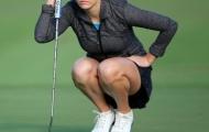 Nữ golf thủ quyến rũ gây sốt mạng xã hội