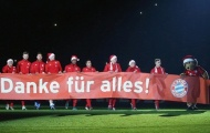Dàn sao Bayern đội mũ Noel cảm ơn CĐV sau trận thắng Darmstadt