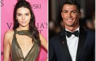 """Cô Kim khích lệ Ronaldo """"đánh cả cụm"""""""