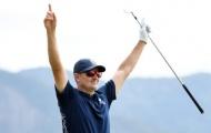 Golf thủ Justin Rose gây sốc với cú đánh '1 phát ăn ngay'