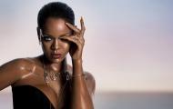Những điều gì đã giúp Rihanna có được thân hình săn gọn ở tuổi 30 ?