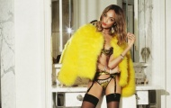Siêu mẫu 9x hàng đầu nước Anh và cách giúp cô sánh vai với thế hệ siêu mẫu của thế kỷ 21