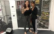 """""""Miêu nữ"""" Halle Berry thọ giáo 'người máy' MMA"""