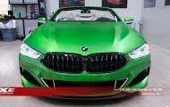 BMW M850i Cabrio khác lạ trong màu áo xanh Matte Krypton Green lạ lẫm