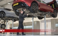 Chuyên gia kỹ thuật Aston Martin toàn cầu kiểm tra và tư vấn xe Aston Martin tại Việt Nam