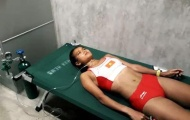 VĐV Việt Nam thở bằng bình oxy sau tấm HCĐ điền kinh