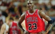 Chiếc áo của huyền thoại bóng rổ được rao bán nửa triệu USD