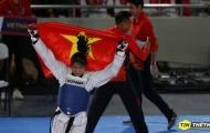 Thắng kịch tính võ sĩ chủ nhà, võ sĩ 19 tuổi Việt Nam ăn mừng xúc động