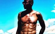 Cựu vô địch NBA khoe cơ bụng 6 múi ở tuổi 44