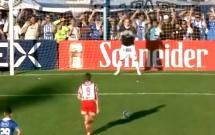 Các pha cứu thua tuyệt vời của những thủ môn bất đắc dĩ