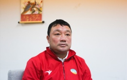 Vừa vô địch V-League, HLV Trương Việt Hoàng đã bày tỏ sự lo âu