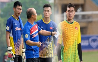 Điểm tin bóng đá Việt Nam tối 18/10: Tuấn Mạnh sẵn sàng cạnh tranh với Văn Lâm, Tiến Dũng ở ĐT Việt Nam