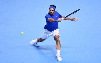 Gục ngã trước thần đồng nước Đức, Federer dừng bước ở bán kết ATP Finals