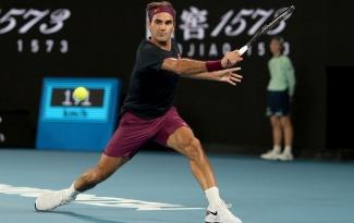Điều gì giúp Federer kiếm hơn 100 triệu USD trong năm qua?