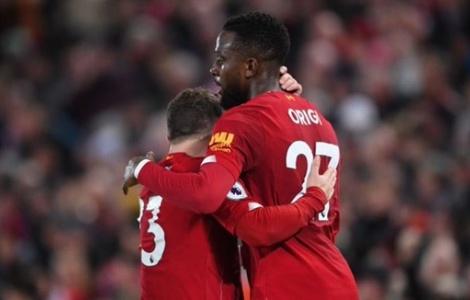 CĐV Liverpool đồng lòng đòi công bằng cho 'siêu dự bị'
