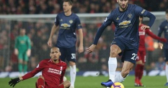 Sốc! Cả đội M.U 'mặc xác', chỉ 4 cầu thủ này về phe Mourinho đến cùng