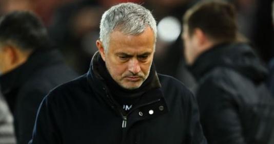 Xong! Young xác nhận sự thật việc cầu thủ M.U ăn mừng Mourinho bị sa thải