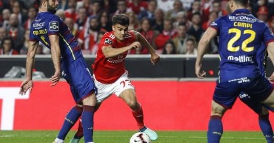 """Vì sao Liverpool nên ''nhả"""" sao trẻ Bồ Đào Nha cho người London?"""