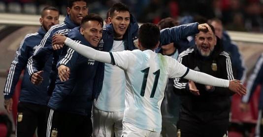 Không Messi, Argentina giành chiến thắng nhọc trước đội nhược tiểu
