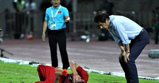 SỐC! HLV Thái Lan tức điên: Cầu thủ Việt Nam đó thật nghiệp dư