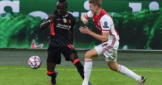 Được cả huyền thoại M.U và Liverpool khen ngợi, 'De Ligt' mới nói gì?