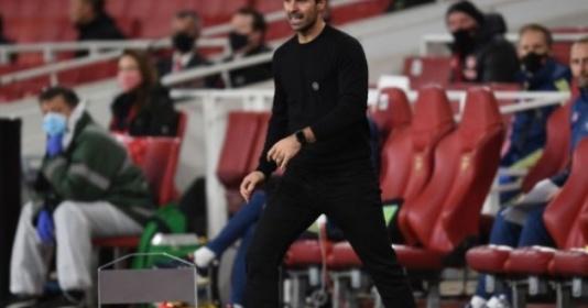 Ian Wright cảnh báo Arsenal: Man Utd không chỉ có một Vardy