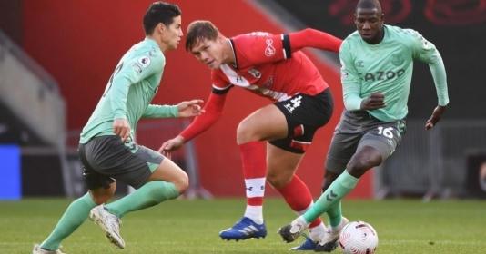 James Rodriguez gượng đau ra sân, Everton cảm thấy sức nóng ở ngôi đầu Premier League