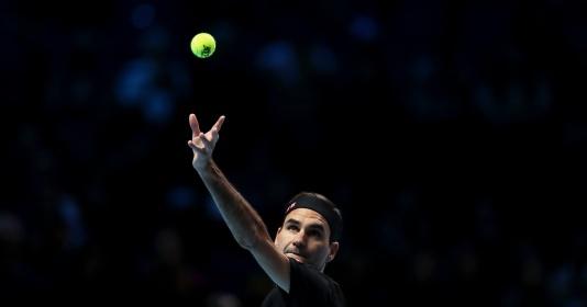 Đẳng cấp lên tiếng, Roger Federer thắng trận đầu ở ATP Finals