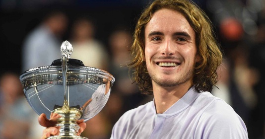 Tsitsipas khiến Felix lần thứ 5 liên tiếp khóc hận ở chung kết ATP