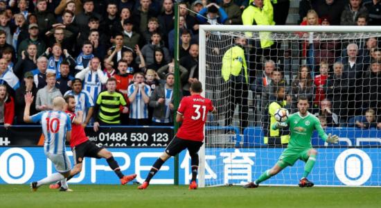 5 điểm nhấn Huddersfield 2-1 Man Utd: Đứt mạch bất bại bởi tân binh