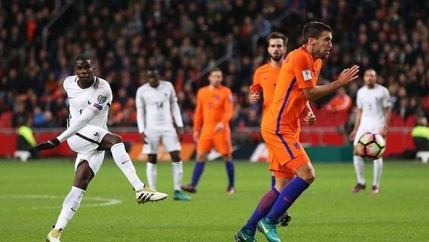 ĐHTB VL World Cup khu vực châu Âu: Câu trả lời của Pogba; Silva lu mờ Ronaldo